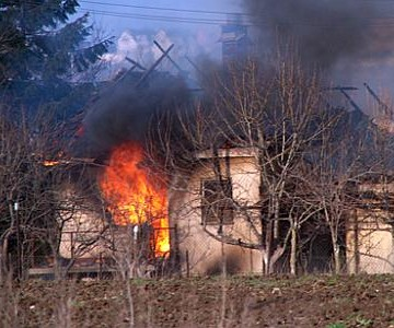 pogrom zapaljena kuca