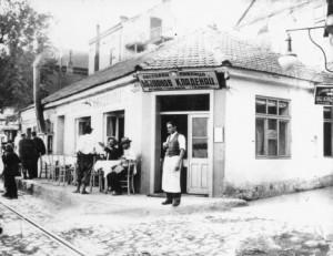 Predratna-kafana-u-Beogradu-Bajlonov-Kladenac