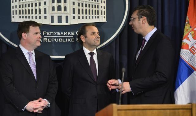 ministar Džon Berd, ministar Rasim Ljajić i premijer Aleksandar Vučić izvor: Tanjug